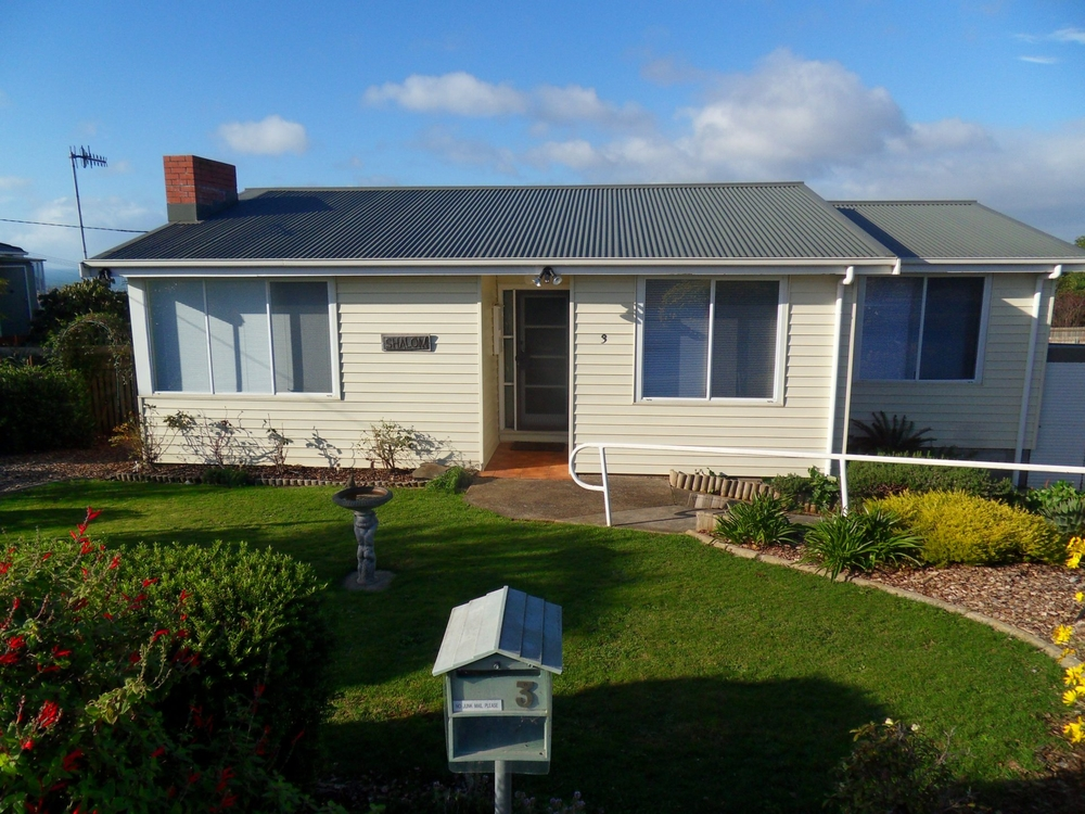 3 Winter Avenue Upper Burnie, TAS 7320