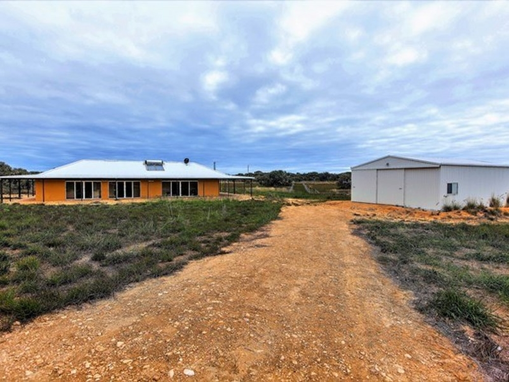 32 Sandal Wood Road Gabbadah, WA 6041