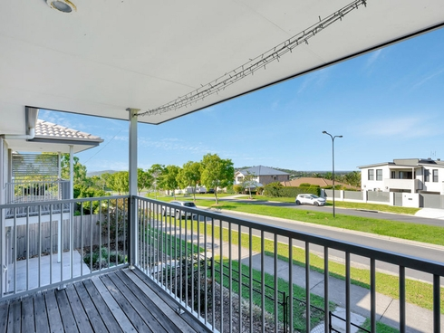 26/1 Mcauley Parade Pacific Pines, QLD 4211