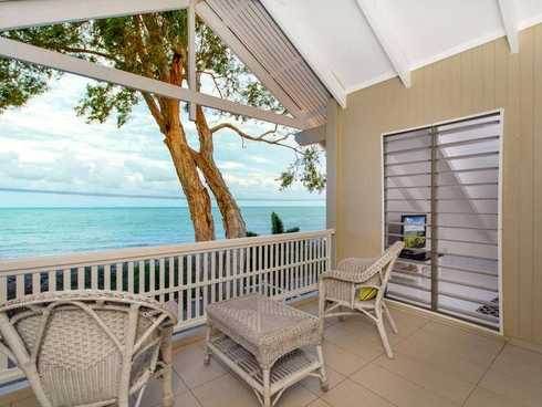 21 Arlington Esplanade Clifton Beach, QLD 4879