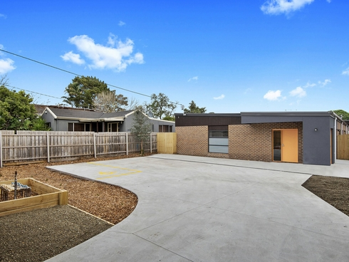8/17 Royle Street Frankston, VIC 3199