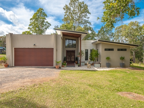 6 Rocklea Drive Southside, QLD 4570
