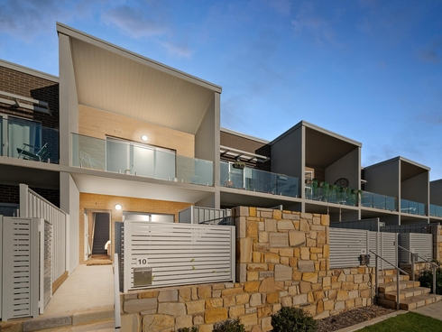 10 Edgeworth Parade Coombs, ACT 2611
