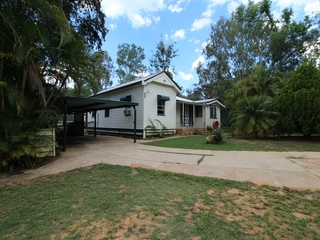 76 Dunlop Road Esk , QLD, 4312