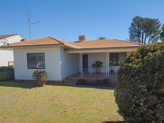 48 Darling Avenue Cowra, NSW 2794