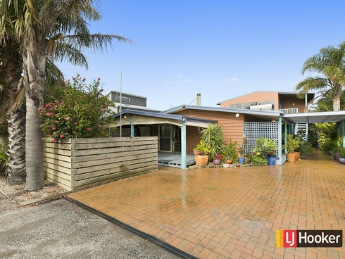 33 Seaward Drive Cape Paterson, VIC 3995