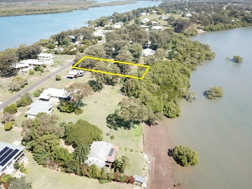 69 Canaipa Point Drive Russell Island, QLD 4184