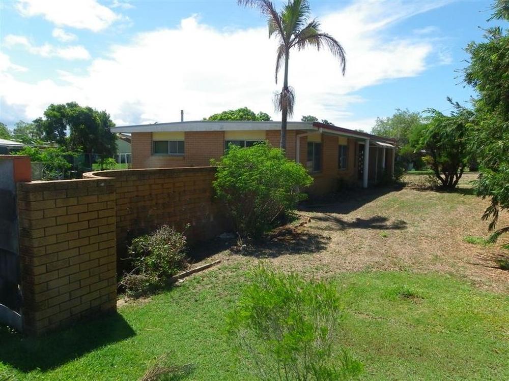 17 Tollington Road Bowen, QLD 4805