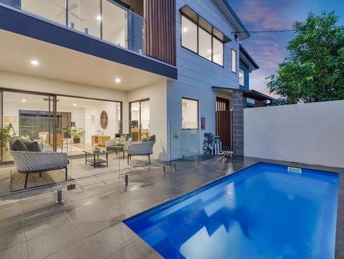 2 Mulkarra Street Biggera Waters, QLD 4216