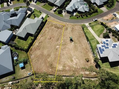 8 Megalong Close Smithfield, QLD 4878