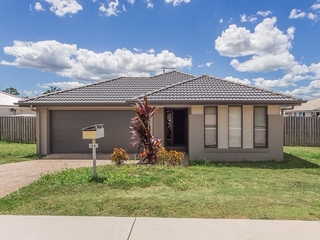 94 Honeywood Drive Fernvale , QLD, 4306