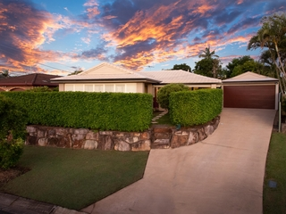 15 Southmore Street Daisy Hill, QLD 4127
