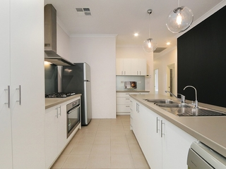 7 Pegus Way Piara Waters , WA, 6112