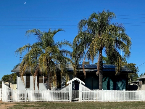 17 Annandale Street Injune, QLD 4454