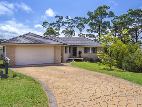 42 Royal Mantle Drive Ulladulla, NSW 2539