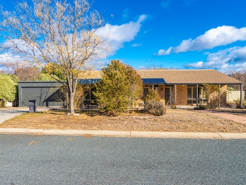 2 Fern Place Banks, ACT 2906