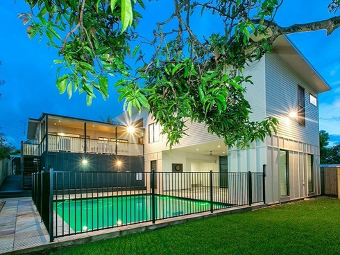 21 Luya Street Fairfield, QLD 4103
