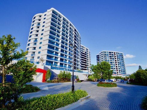 4412/5 Harbour Side Court Biggera Waters, QLD 4216