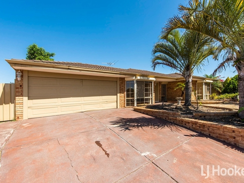 142 Forest Lakes Drive Thornlie, WA 6108