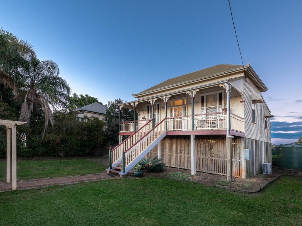1585 Moore Park Road Gooburrum, QLD 4670