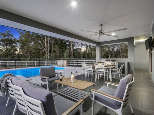 82 Whiptail Place Advancetown, QLD 4211