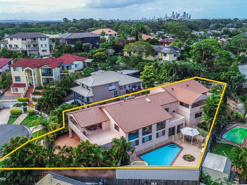 5 Kevin Court Miami, QLD 4220