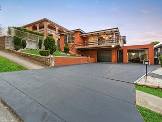 32 Lookout Drive Mount Pritchard , NSW, 2170