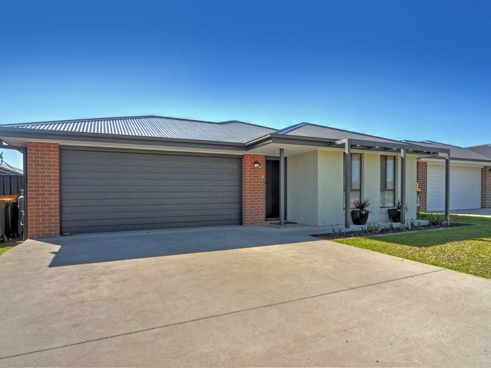 24 Seagrass Avenue Vincentia, NSW 2540