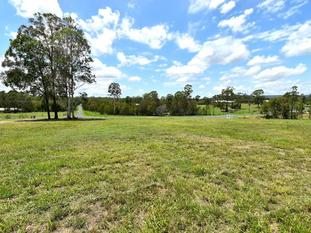 2 Tilpawai Road Woodford, QLD 4514