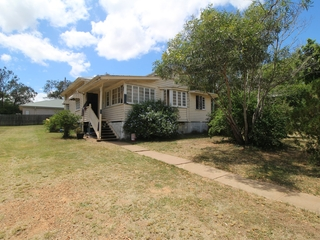80 Middle Street Esk, QLD 4312