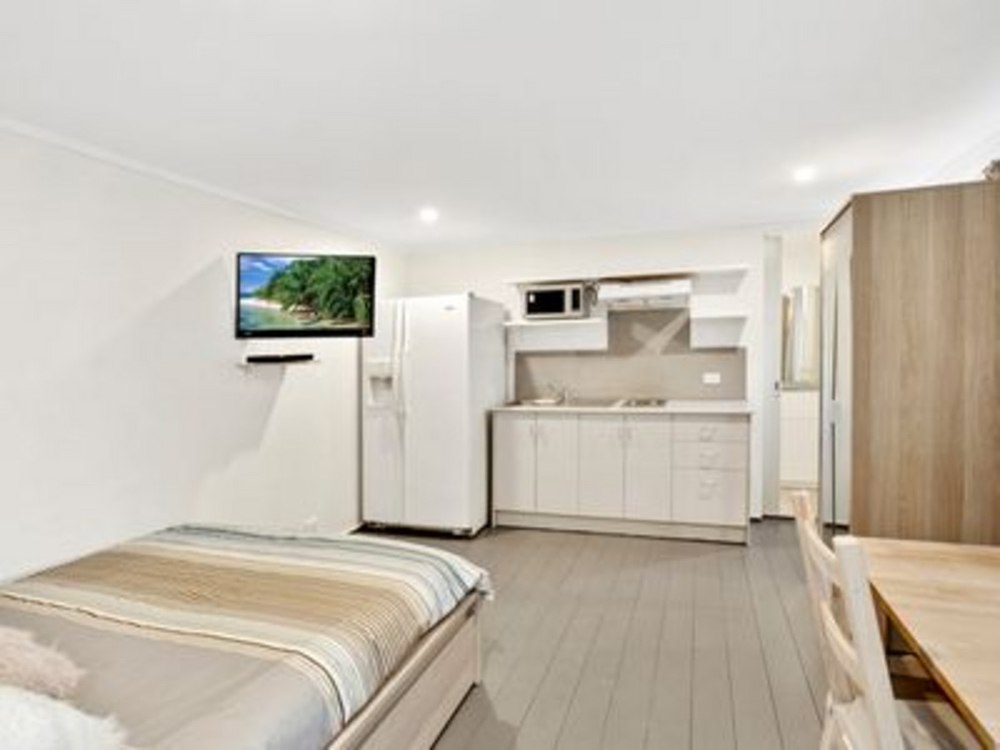 1/102 Barrenjoey Road Mona Vale, NSW 2103