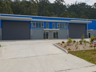 Unit 1 & 2/14 Enterprise Close West Gosford, NSW 2250