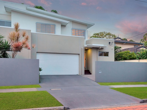 1/12 Nobby Parade Miami, QLD 4220