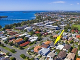 2/23 Victor Avenue Paradise Point, QLD 4216